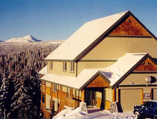 Strathcona Vacation Rental, 1375E Henry Road